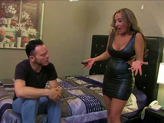 Randy Chick Enjoys Hardcore Pussy Fucking After Giving Blowjob