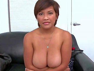 Exotic First Timer Reina With Nice Floppers